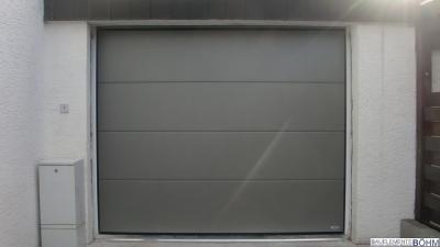 Großlamelle glatt mit der Farbe DB 702.